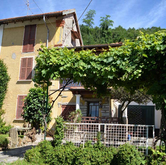 Cambiasca - House to be renovated
