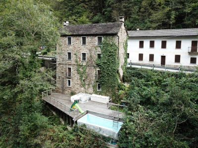 Stonehouse with Solarium and small pool in Cannobina Valley