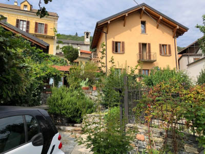 Cheglio - House with dependance and Garden
