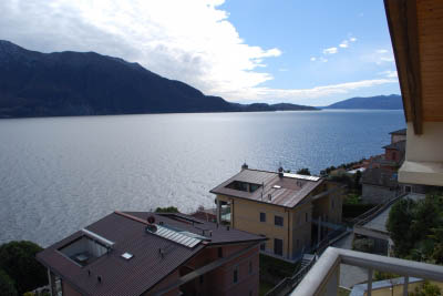 Ghiffa - new apartment with small terrace and lake view