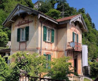 Villino Liberty con giardino - Fronte lago