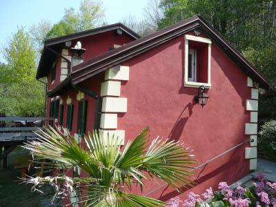 Aurano, Valle Intrasca, Casa Rossa nel Verde